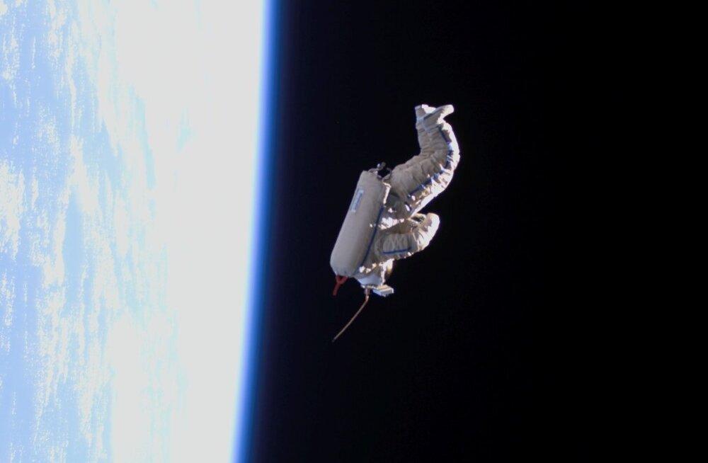 Suitsat, ilmselt kõige kummalisem satelliit kosmoseajaloos
