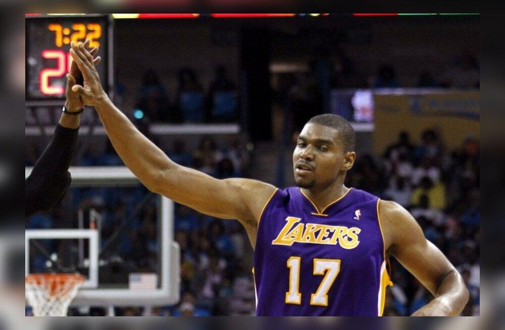 VIDEO: Gasol ja Bynum vedasid Lakersi teise ringi