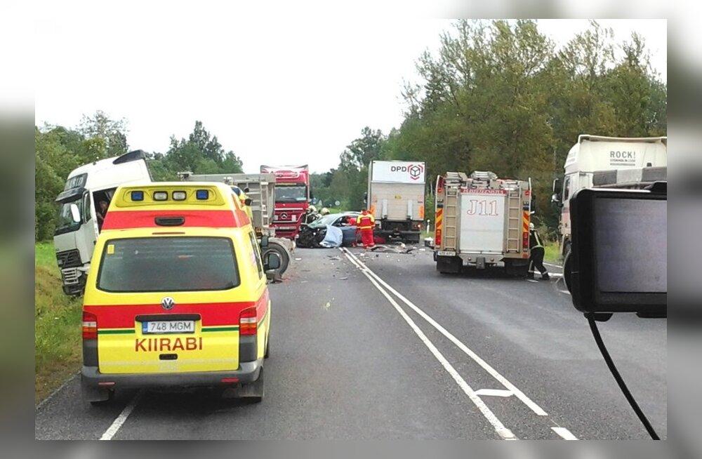 Jõhvi lähedal toimus kahe kannatanuga avarii