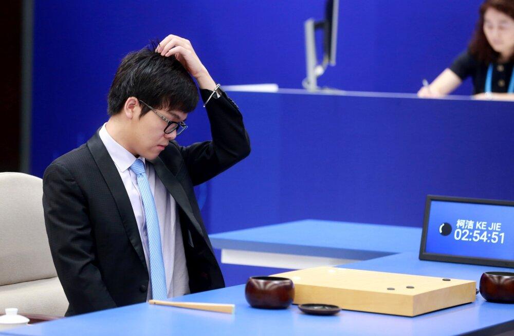 Roboti võit: tehisintellekt tegi hiinlasest go suurmeistrile tuule alla, Google loodab seeläbi Hiinaga suhteid soojendada