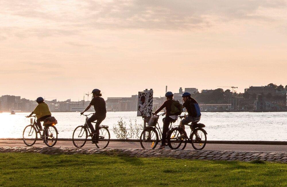 Rootsi-Taani vahel hakkab sõitma praam jalgratturitele! Millal tuleb meie Aegna või Kihnu rattapraam?