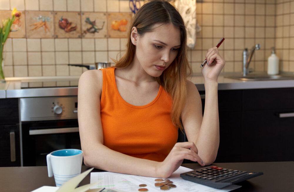 Raha pärast mehe jätnud naine: ei kujutanud ette, et võiksin luua pere teadmisega, et jäängi kogu eluks pere rahavankrit vedama