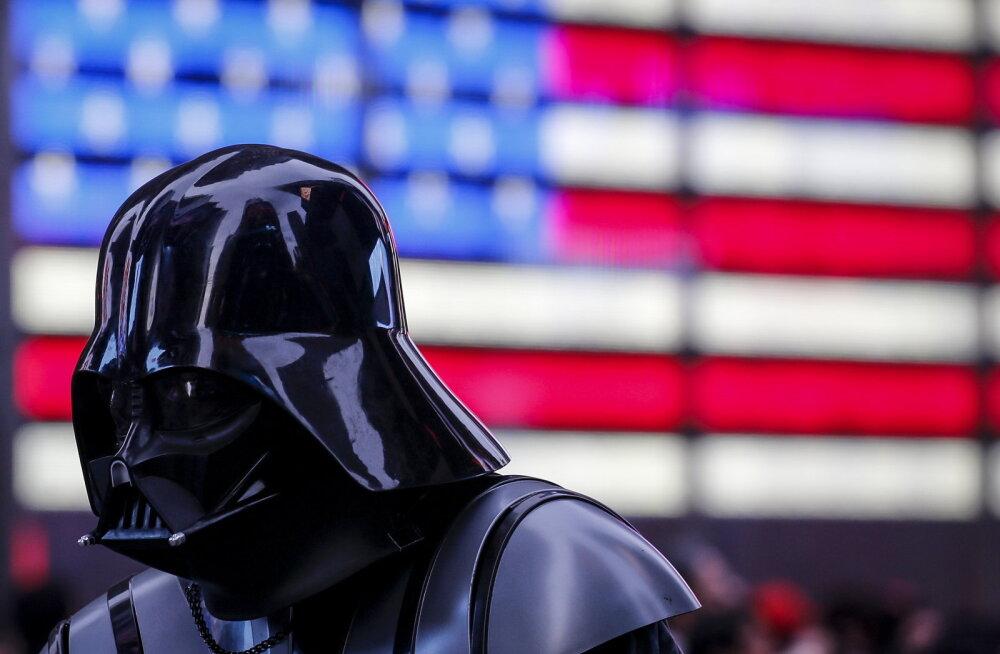 Star Warsist võib saada kiireimini miljard dollarit teeninud film
