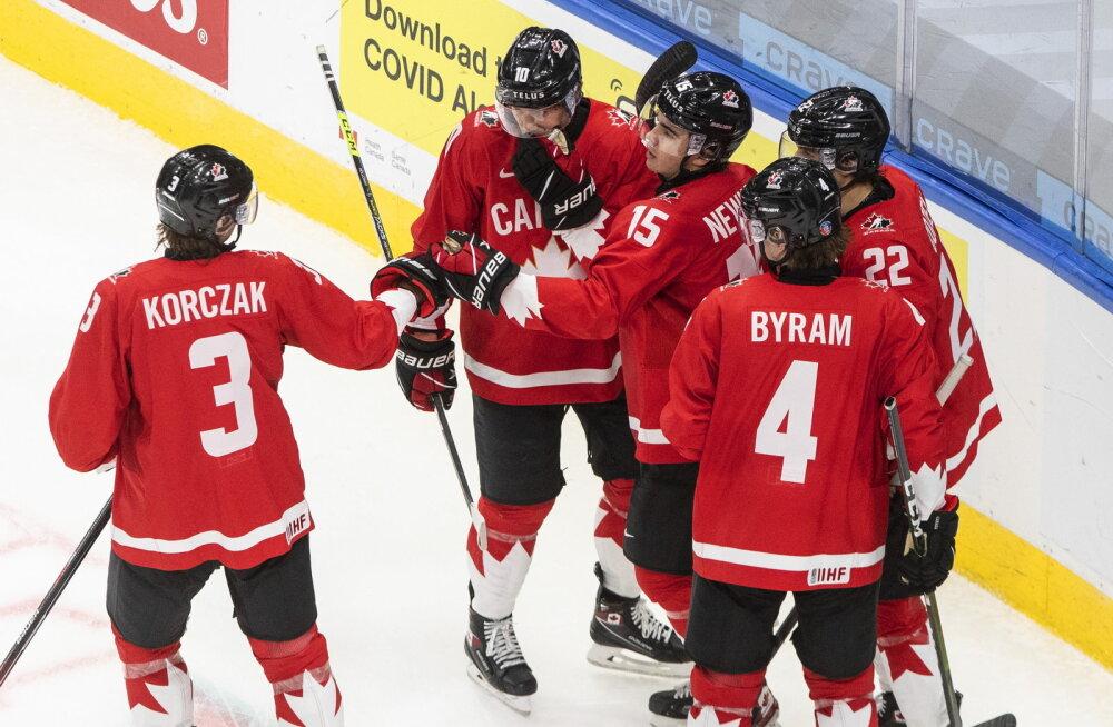 ВИДЕО: Канада забросила 16 шайб, Швеция установила вечный рекорд