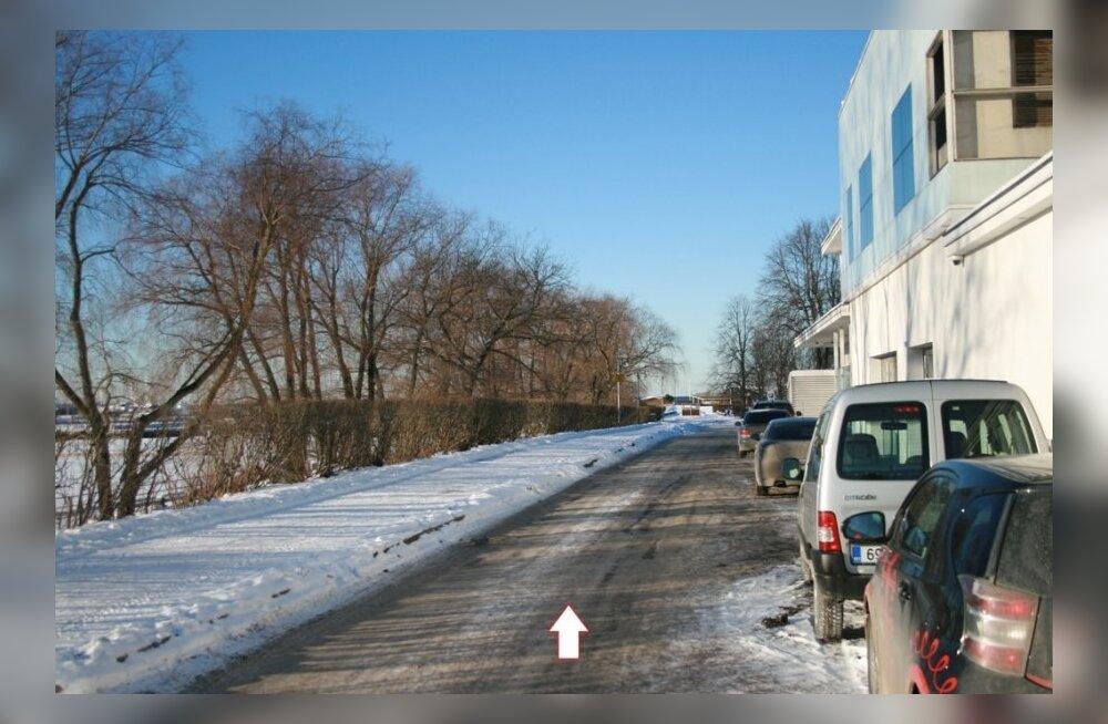 https://g1.nh.ee/images/pix/1000x654/Ik7gI9kdrDA/parkimine-merivalja-tee-1-juures-68778199.jpg