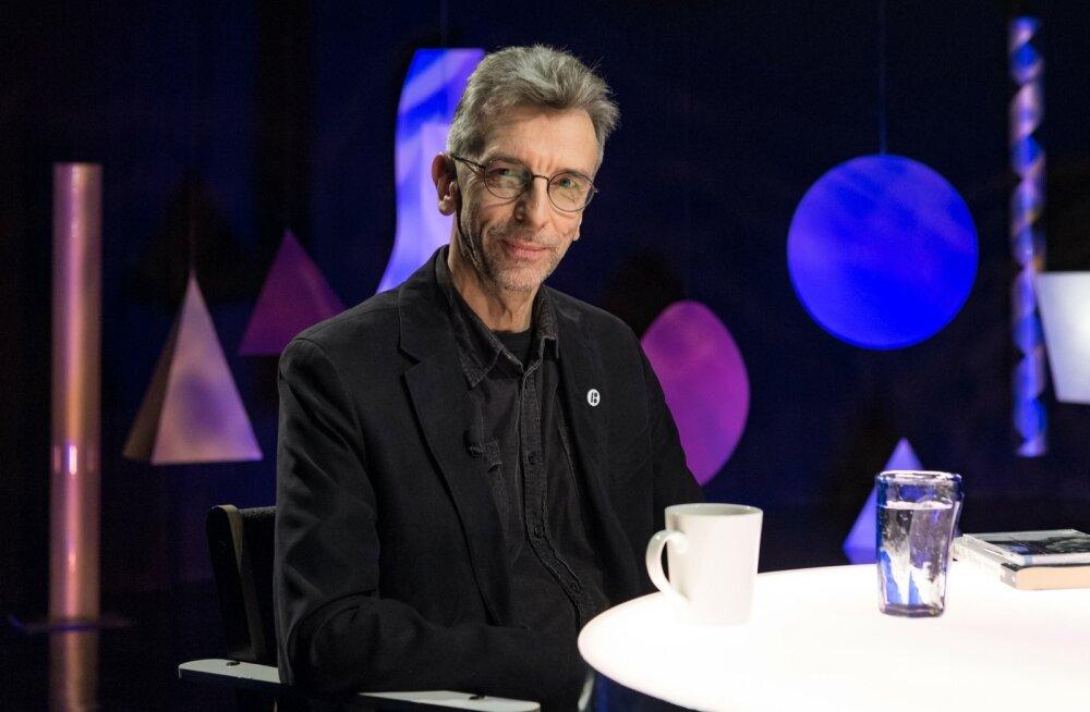 """""""Plekktrumm: Erkki-Sven Tüür"""" oli esmakordselt ETV ekraanil möödunud aastal, helilooja uue sümfoonia """"Mythos"""" esiettekandele eelnenud õhtul."""