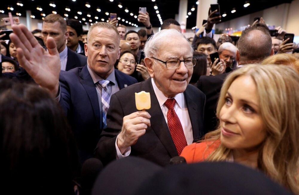 Warren Buffett Berkshire Hathaway aktsionäride üldkoosolekul mai alguses