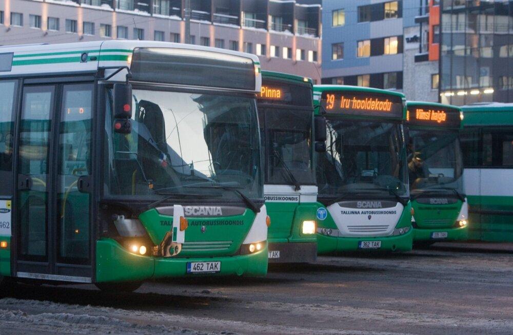 Tallinnas tihendatakse kuue bussiliini graafikuid