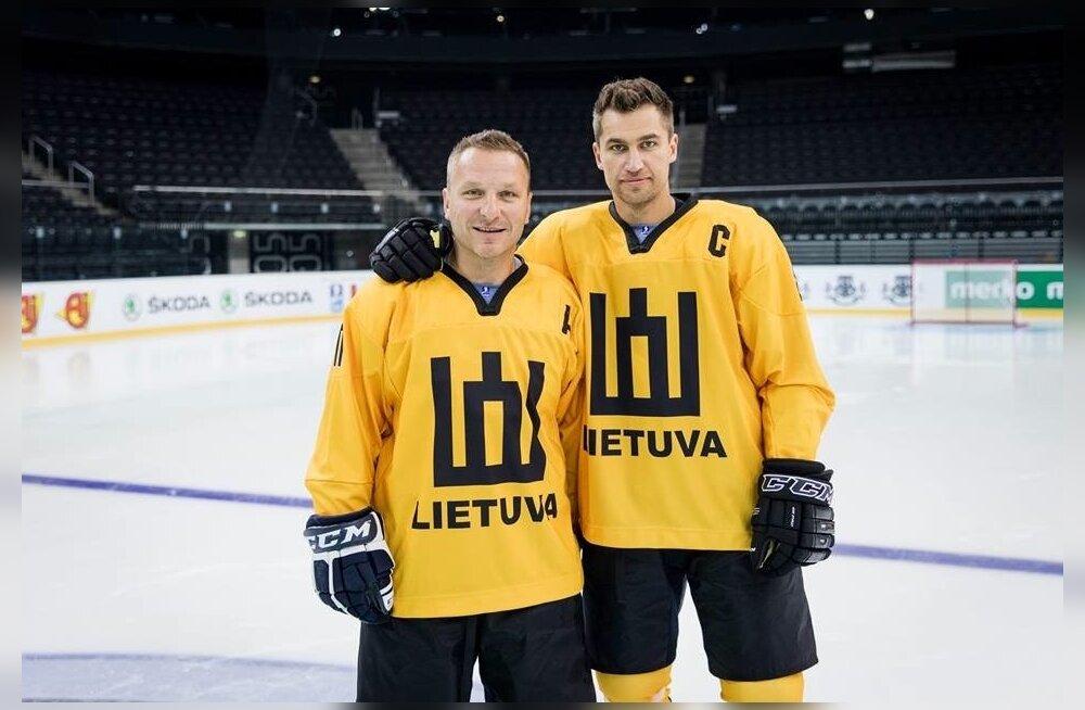 Leedu jäähoki legendid Darius Kasparaitis (vasakul) ja Dainius Zubrus