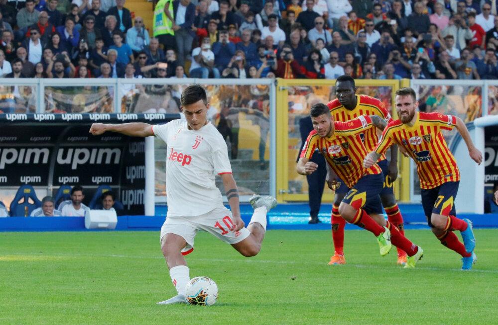 Paulo Dybala realiseerib penalti