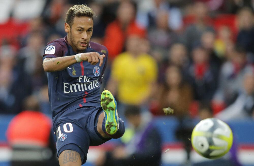 VIDEO | Neymar lõi karistuslöögist ilusa värava ja skooris ka penaltist