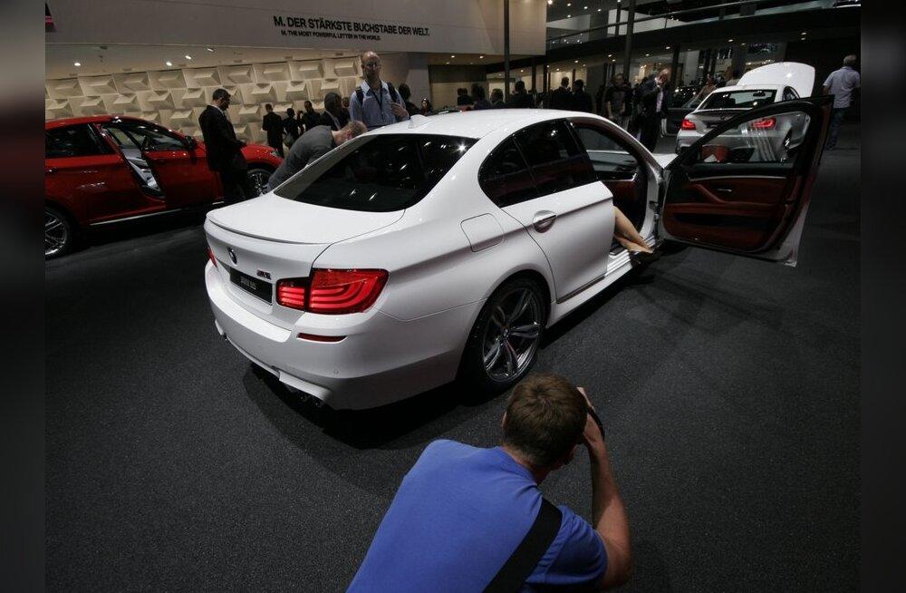 BMW M5 Frankfurdi autoshowl.