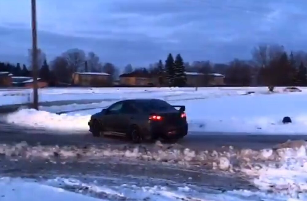 VIDEO   Kaia Kanepi demonstreeris rallisõidu oskusi!