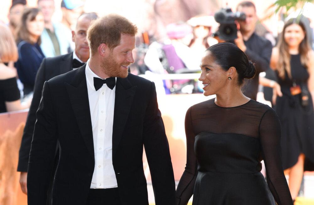 """Meghan Markle ja Prints Harry on kuningliku pere silmis tõeline """"avalike suhete katastroof"""""""
