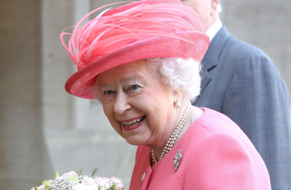 """Humoorikas moment! Vaata, kuidas kuninganna Elizabeth II reageerib, kui prints Charles teda avalikult """"emmeks"""" kutsub"""