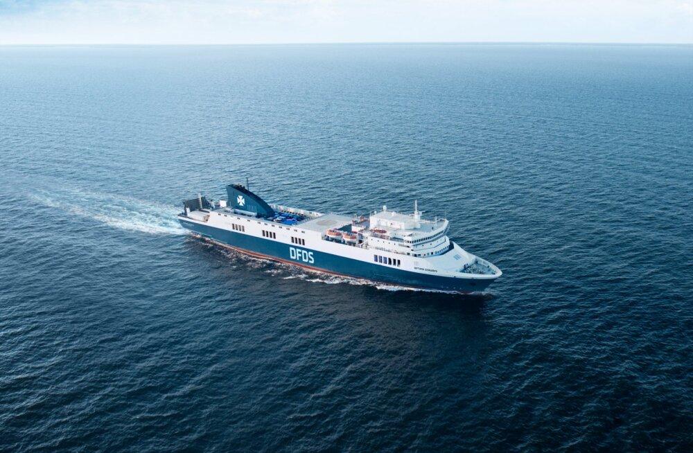 ФОТО | На линию Палдиски-Капельшер вывели новое судно