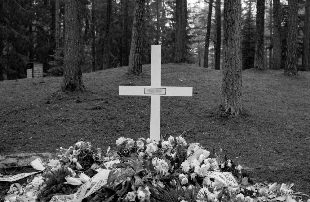 Kui tegu ei ole kirikliku matusega, kus kõneleb jumalasulane, osaleb tseremoonial harilikult matusekõneleja.