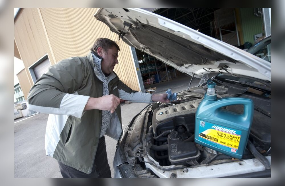 ABIMEES: Kuidas autol mootoriõli taset hinnata