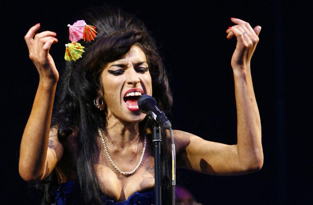 Kummitustuur: Amy Winehouse'i hologramm läheb tuleval aastal suurele kontsetturneele