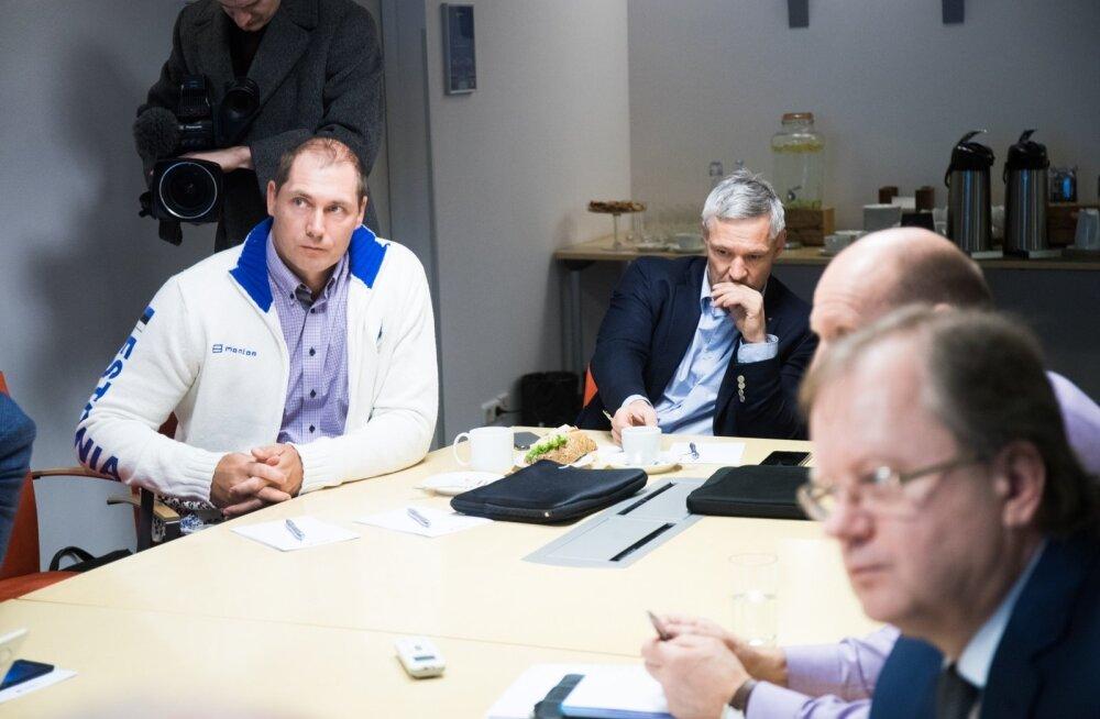 EOK Täitevkomitee koosolek, mõtlikud Kanter ja Nool