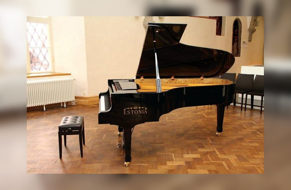 Keila Kooli jõuab uus Estonia kontsertklaver