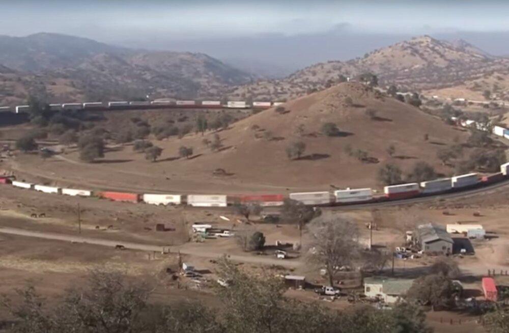 VIDEO | Lõppu ei tulegi? Vaata, millised näevad välja maailma kõige pikemad rongid