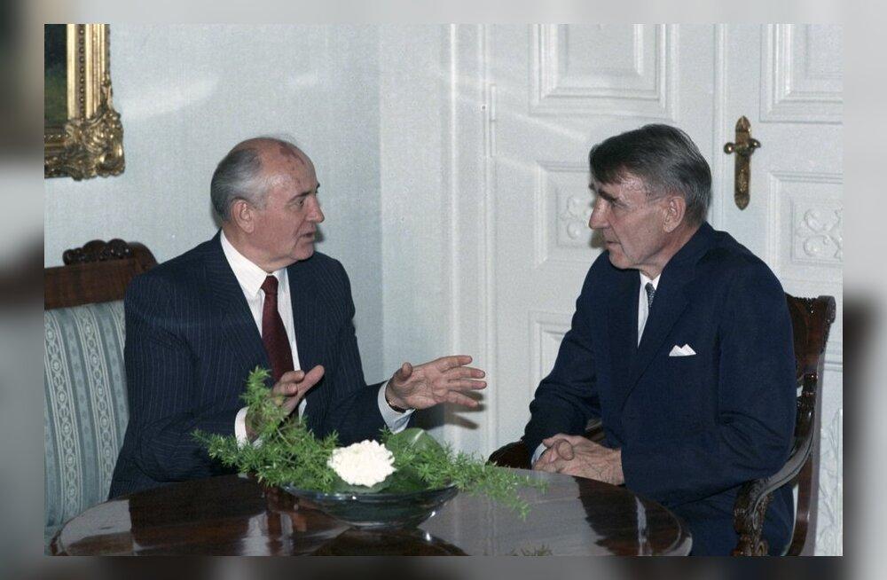 Soome endine president Koivisto: Nõukogude Liidus suhtuti minu vene keele oskusse kahtlustavalt