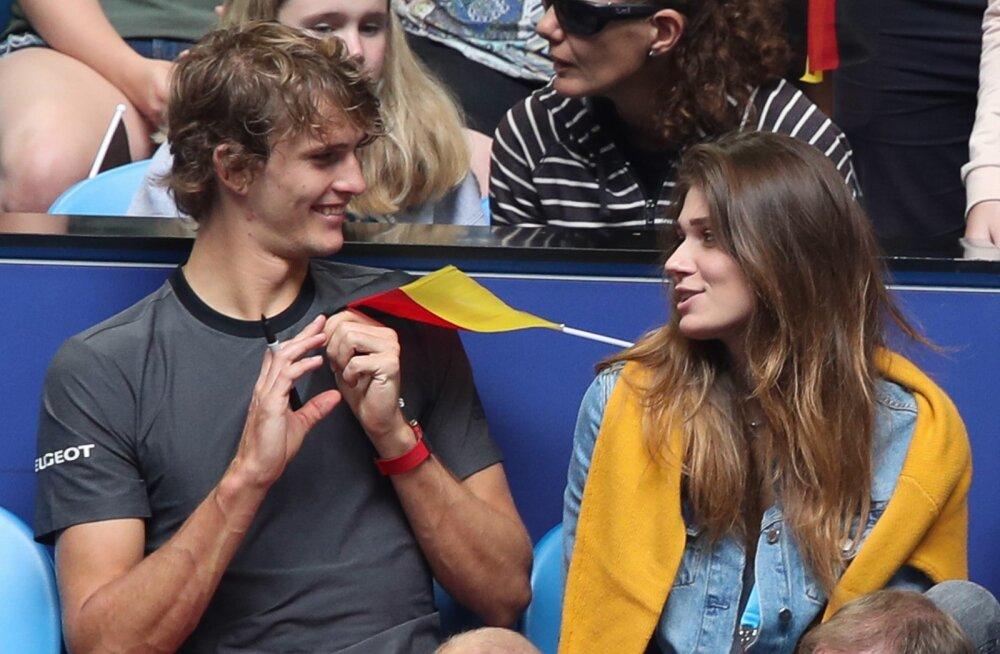 Alexander Zverev ja Olga Šarõpova kudrutavad 2019. aasta alguses Hopman Cupil Austraalias Perthis.
