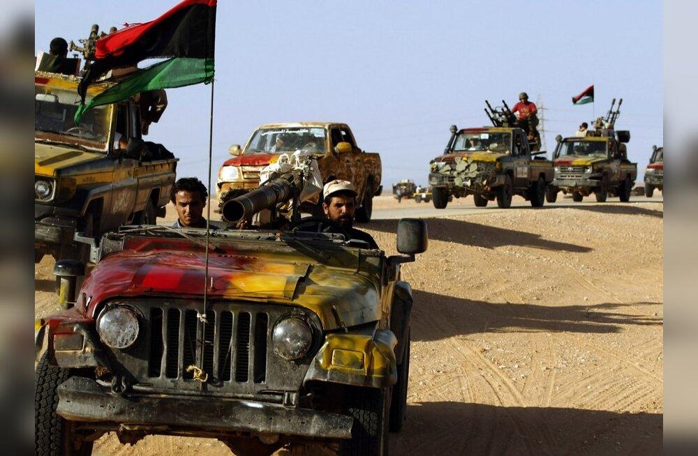 Liibüa mässulised sisenesid Gaddafi kantsi Sirtesse