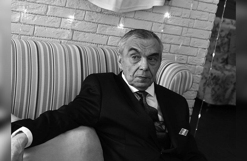 Suri kahekordsest olümpiavõitjast Nõukogude Liidu hokilegend