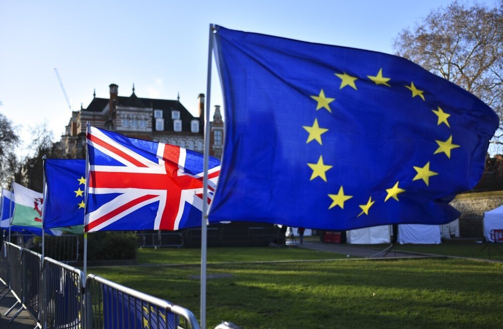 Suurbritannia lipp koos Euroopa Liidu lipuga