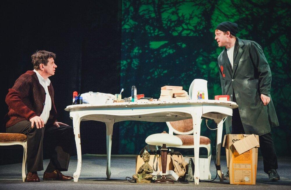 """""""Öörändurid"""" Hannes Kaljujärv ja Andres Mähar, laval Maurice ja Tommy, kes vaatamata kõigele, mis elus ja nendegi vahel sünnib, teineteisest rohkem hoolivad kui välja paista lasevad."""