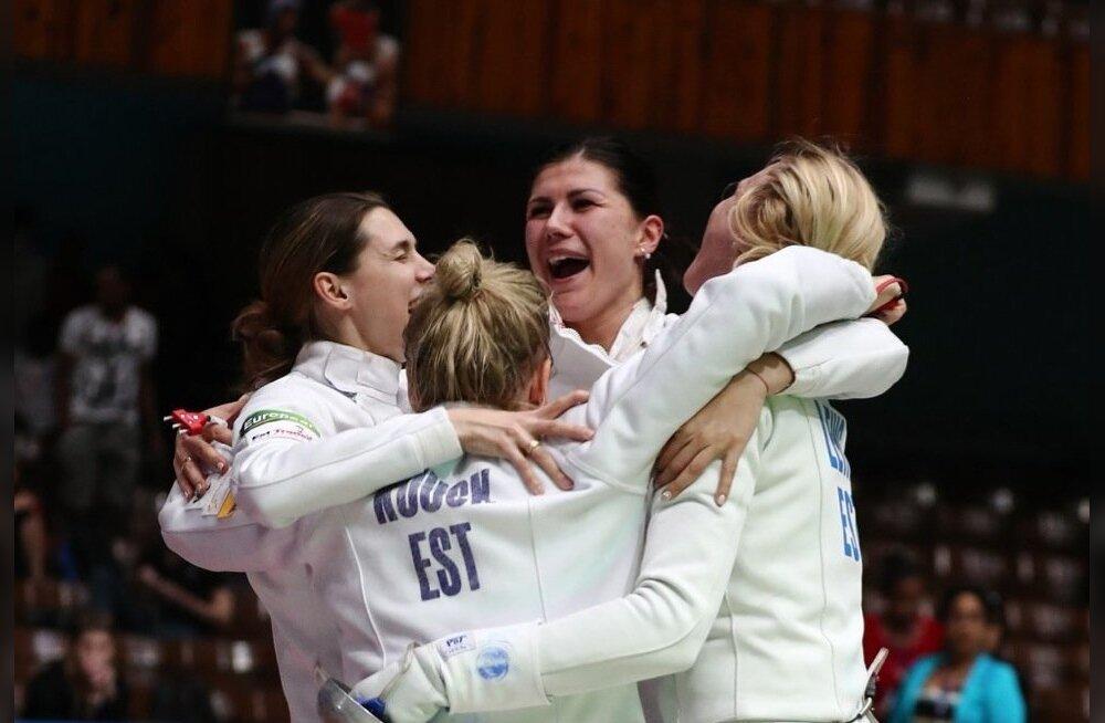 Eesti epeenaiskonnal – (vasakult) Irina Embrich, Kristina Kuusk, Julia Beljajeva ja Katrina Lehis – on põhjust rõõmustada.