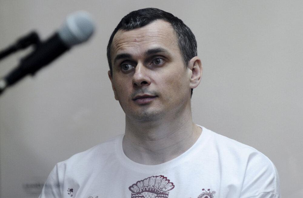 Pärast Vene ajakirjaniku vabastamist Kiievis viidi Ukraina filmirežissöör Sentsov Venemaal kolooniast Moskvasse