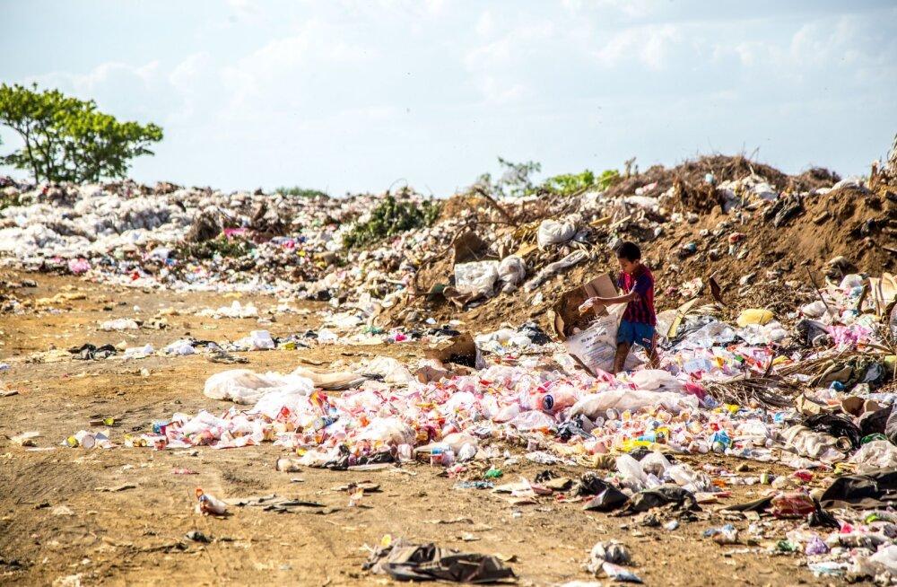 Prügikohvik Indias - lõunasöök kilo plastmassiprügi eest