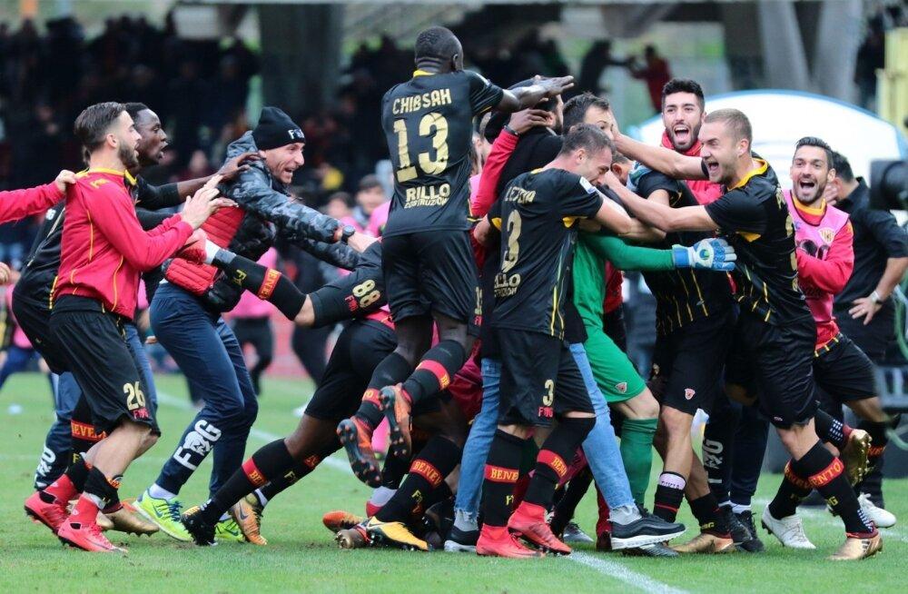 Benevento mängijad joovastuses