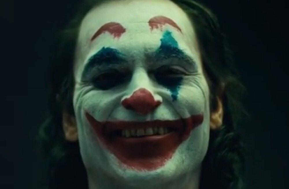 "Joaquin Phoenixi ""Jokkeri"" filmi stsenaariumit kirjutati keset võtteid ümber"
