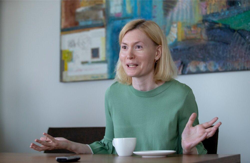 """Riina Sikkut soovib """"kiviaegset"""" seadust nüüdisajastada ja tuua tööjõuturule tagasi 80 000 inimest."""