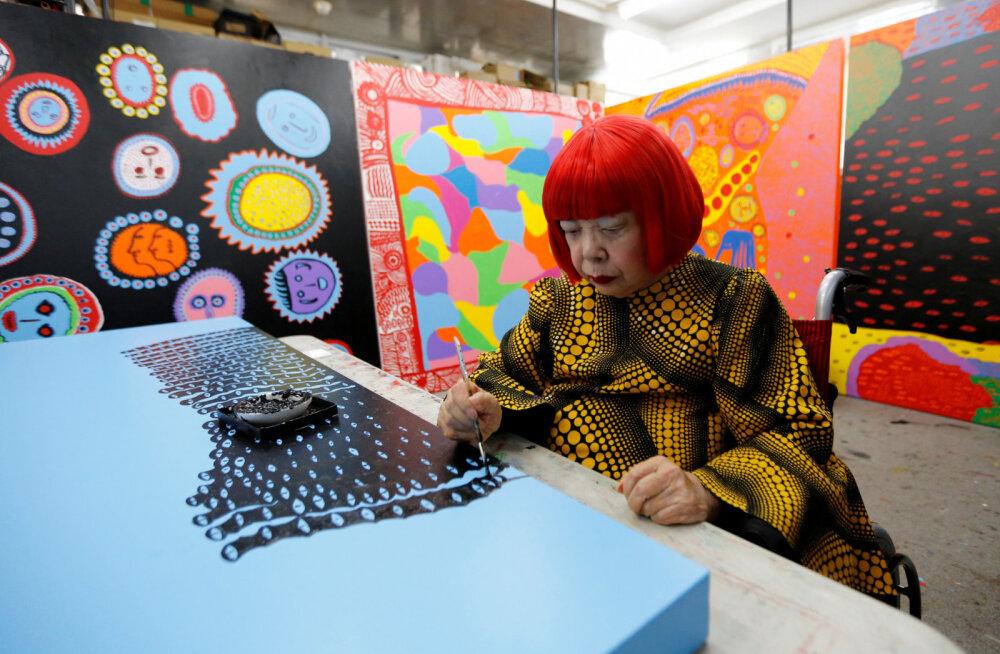 ФОТО: 40 лет в сумасшедшем доме: как японская художница Яёи Кусама свела весь мир с ума