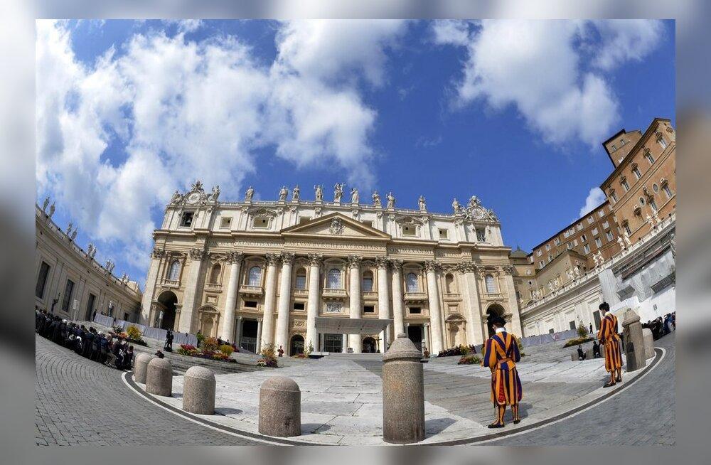 Keegi laeb Vatikanis ebaseaduslikult pornot alla