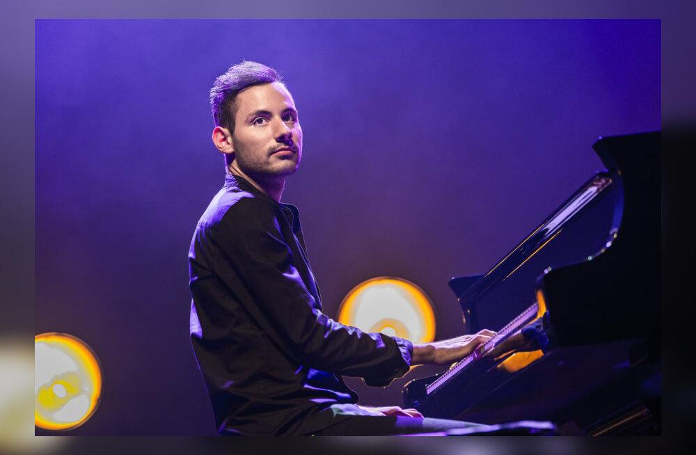 Смотрите, кто выиграл билеты на концерт всемирно известного эстрадного пианиста Петера Бенце