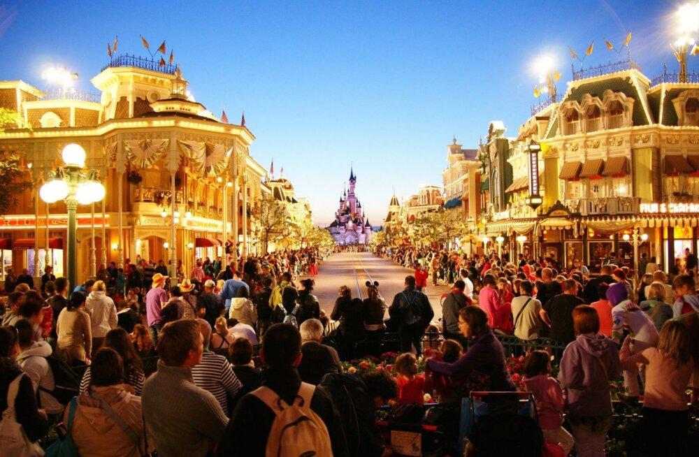 Pariisi Disneyland: miks oma lapsed kindlasti sinna viia tasub?