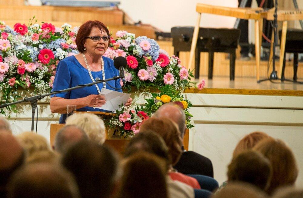 Ka mulluse aasta ema tiitli saaja välja kuulutanud naisliidu juht Siiri Oviir kinnitab, et reeglite muutmist on arutatud.