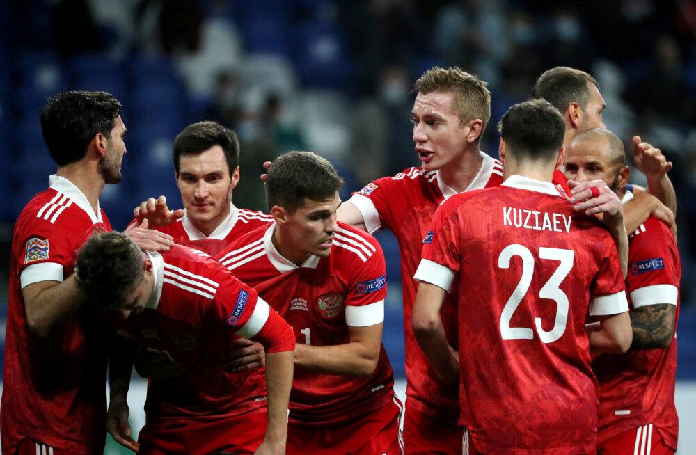 Без Дзюбы тяжело. Россия не смогла победить 175-ю команду мира