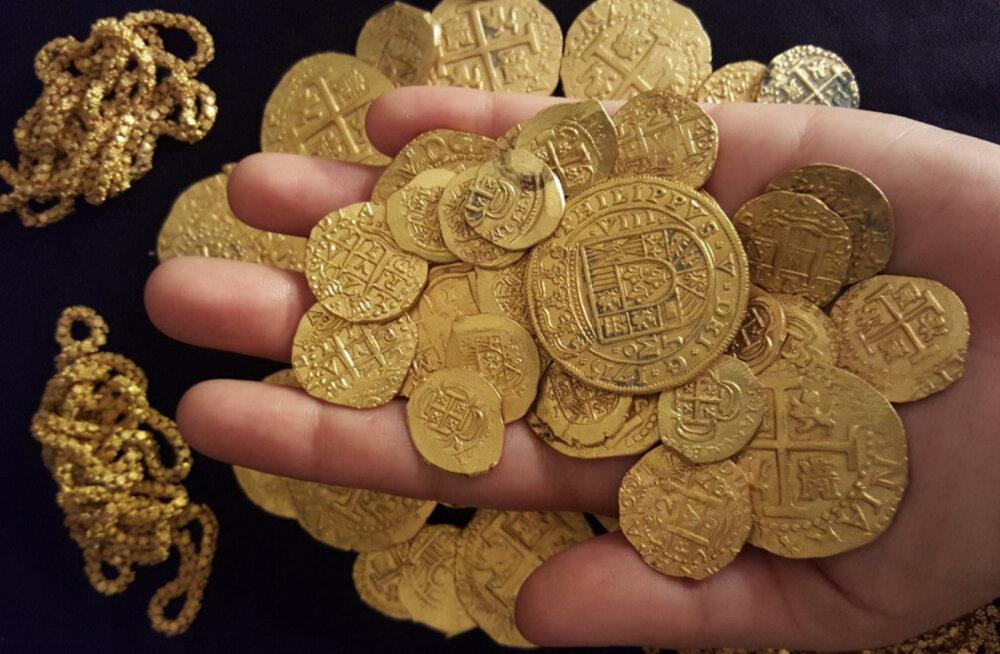 Во Франции нашли клад с редкими средневековыми монетами