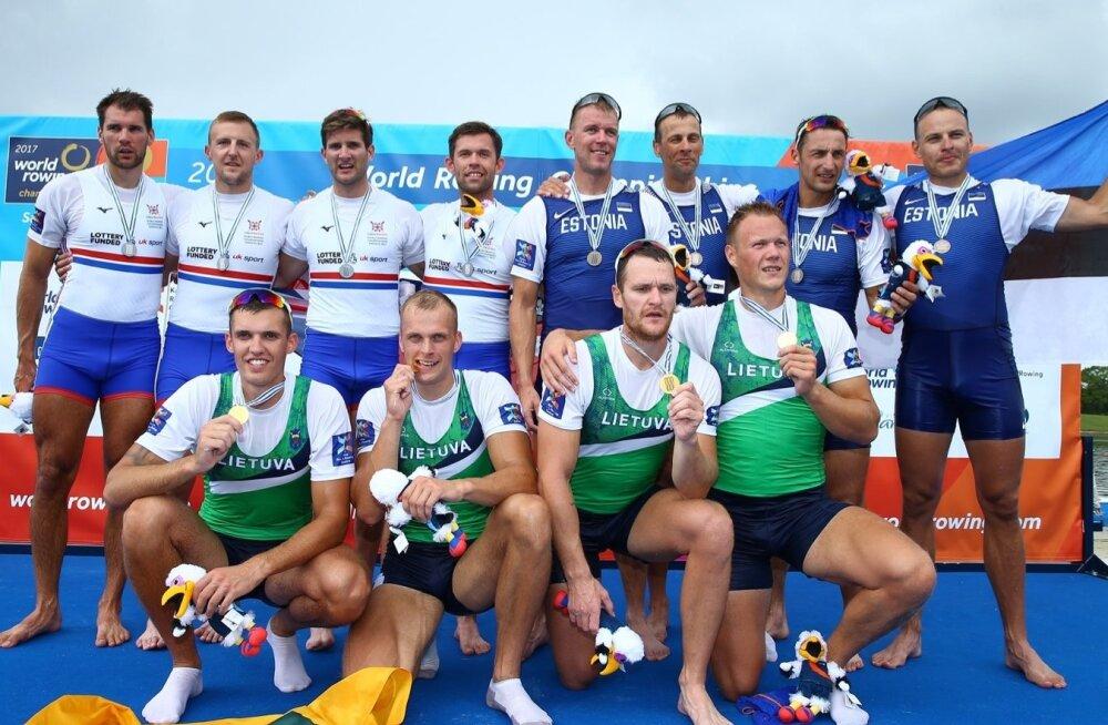 Eesti pronksimehed (paremal püsti): Kaspar Taimsoo, Tõnu Endrekson, Allar Raja ja Kaur Kuslap
