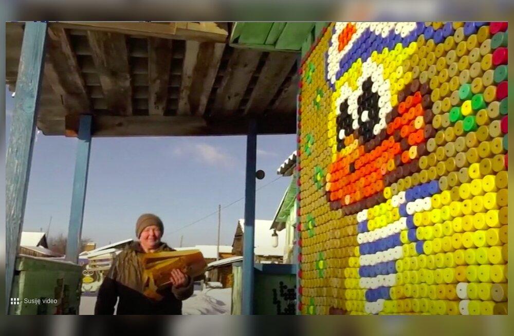 ВИДЕО | Пенсионерка создает картины из пробок! Как свалка помогла искусству
