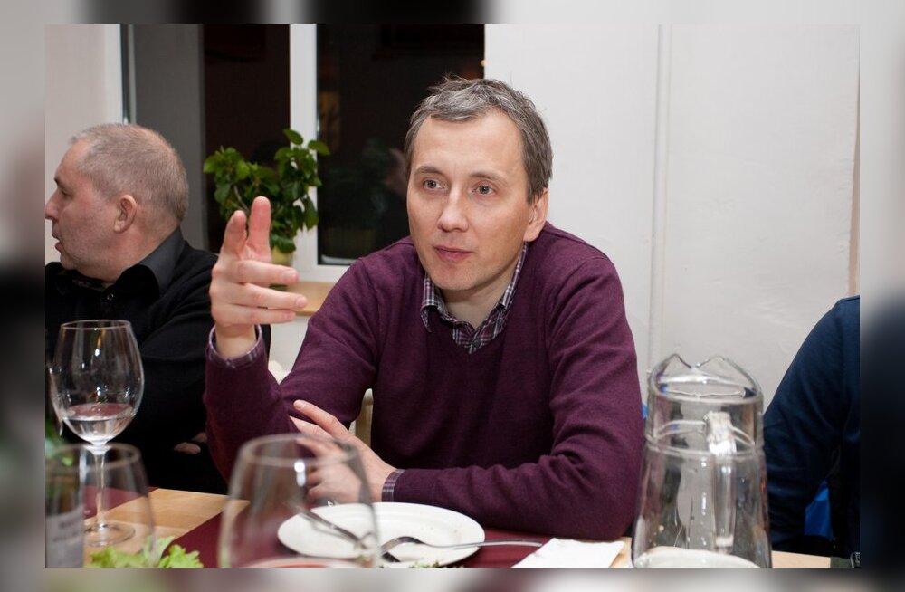 AINULT DELFIS: Sandor Liive kutsus suuremad sponsorid hubasesse kohvikusse