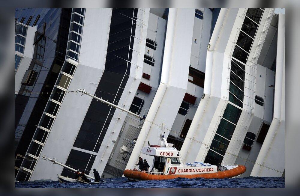 Mesinädalatel abielupaar oli 30 tundi õnnetuslaeval lõksus
