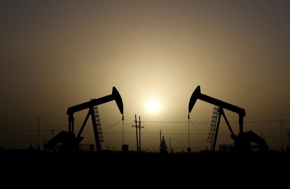 Trumpi nakatumine koroonasse kukutas nafta hinda
